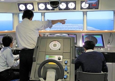 船舶の衝突リスク判断と自律操船に関する研究の様子