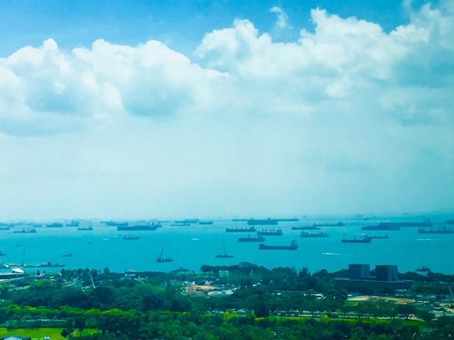 オフィスから見えるシンガポール沿岸の様子